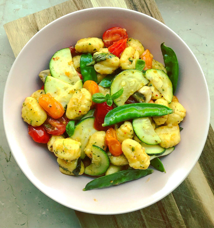 bunte Gemüse-Gnocchi in leichter Parmesansoße