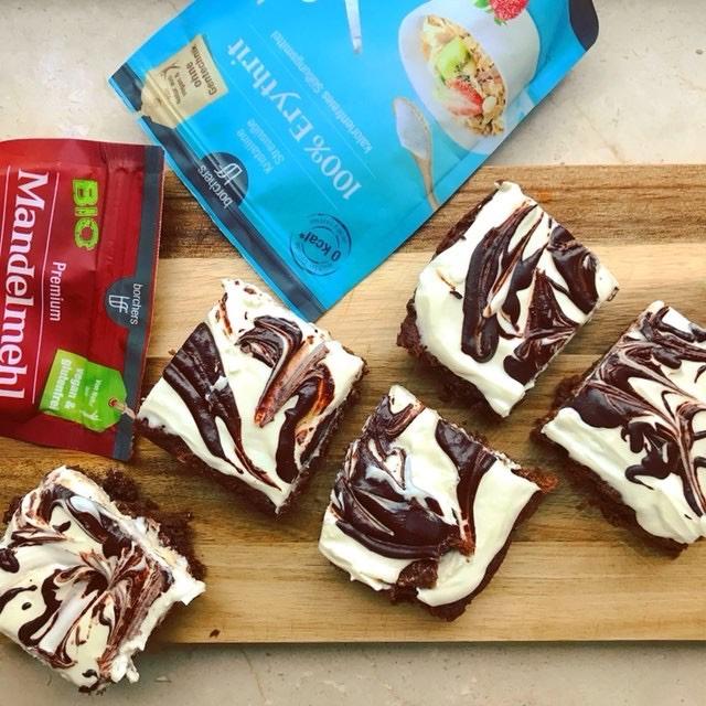 Low Carb Brownies mit Frischkäseswirl