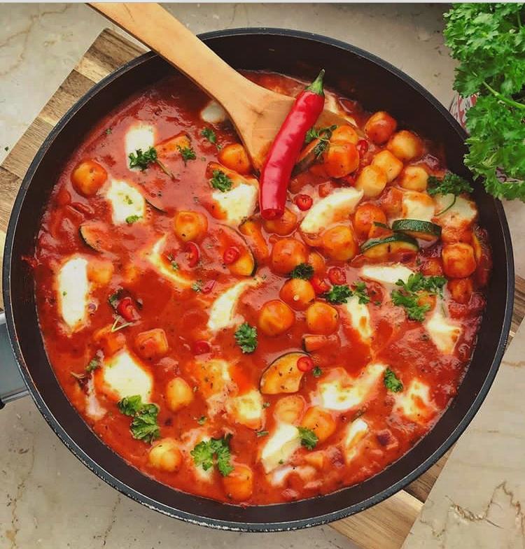 mediterrane Gnocchi-Pfanne mit Zucchini