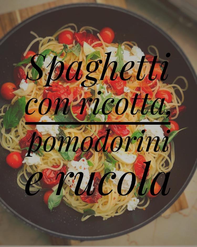 Spaghetti mit Ricotta, Tomaten und Rucola
