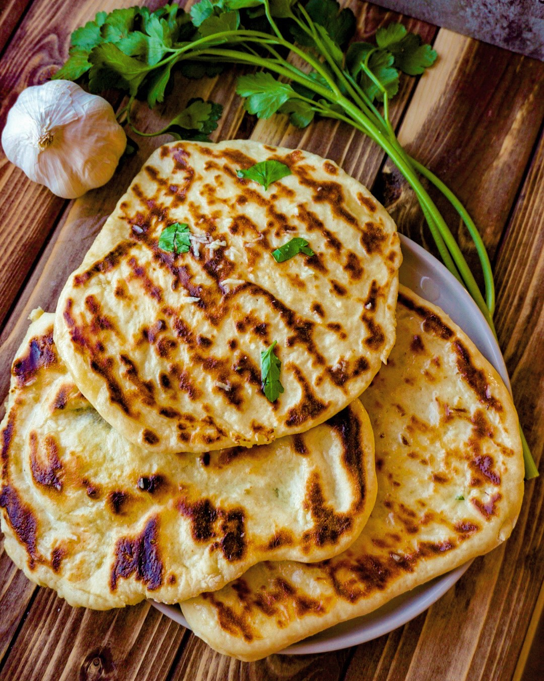 indisches Naan-Brot mit Joghurt und Hefe