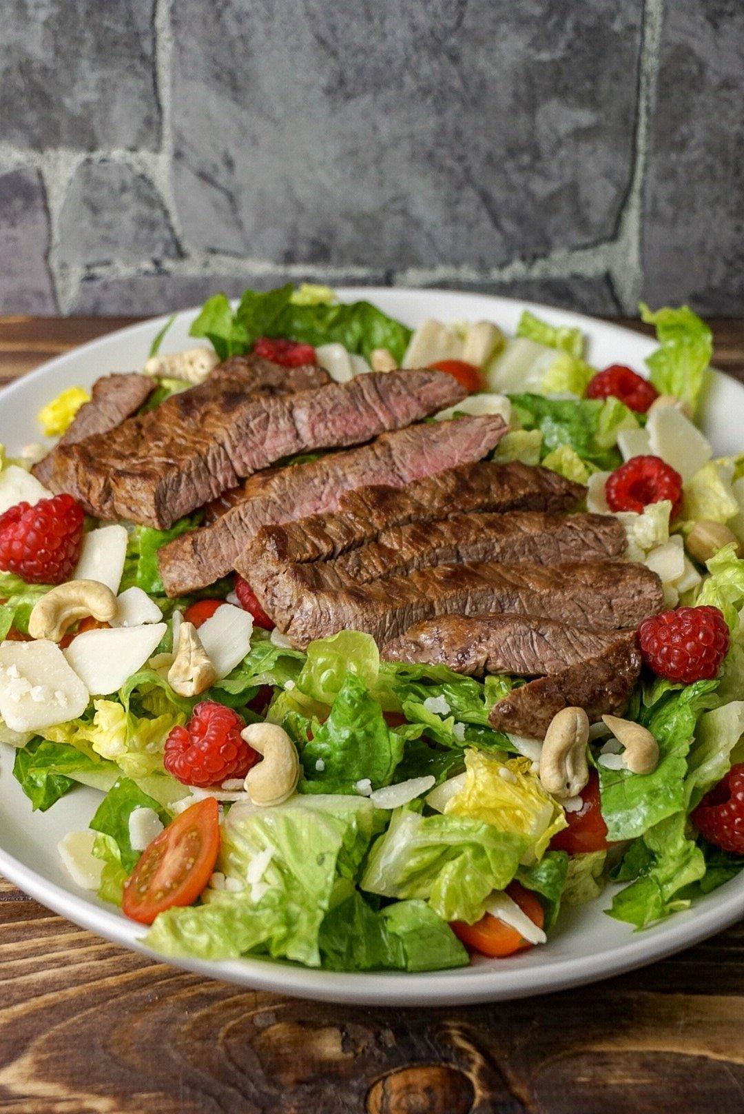 fruchtiger Steaksalat