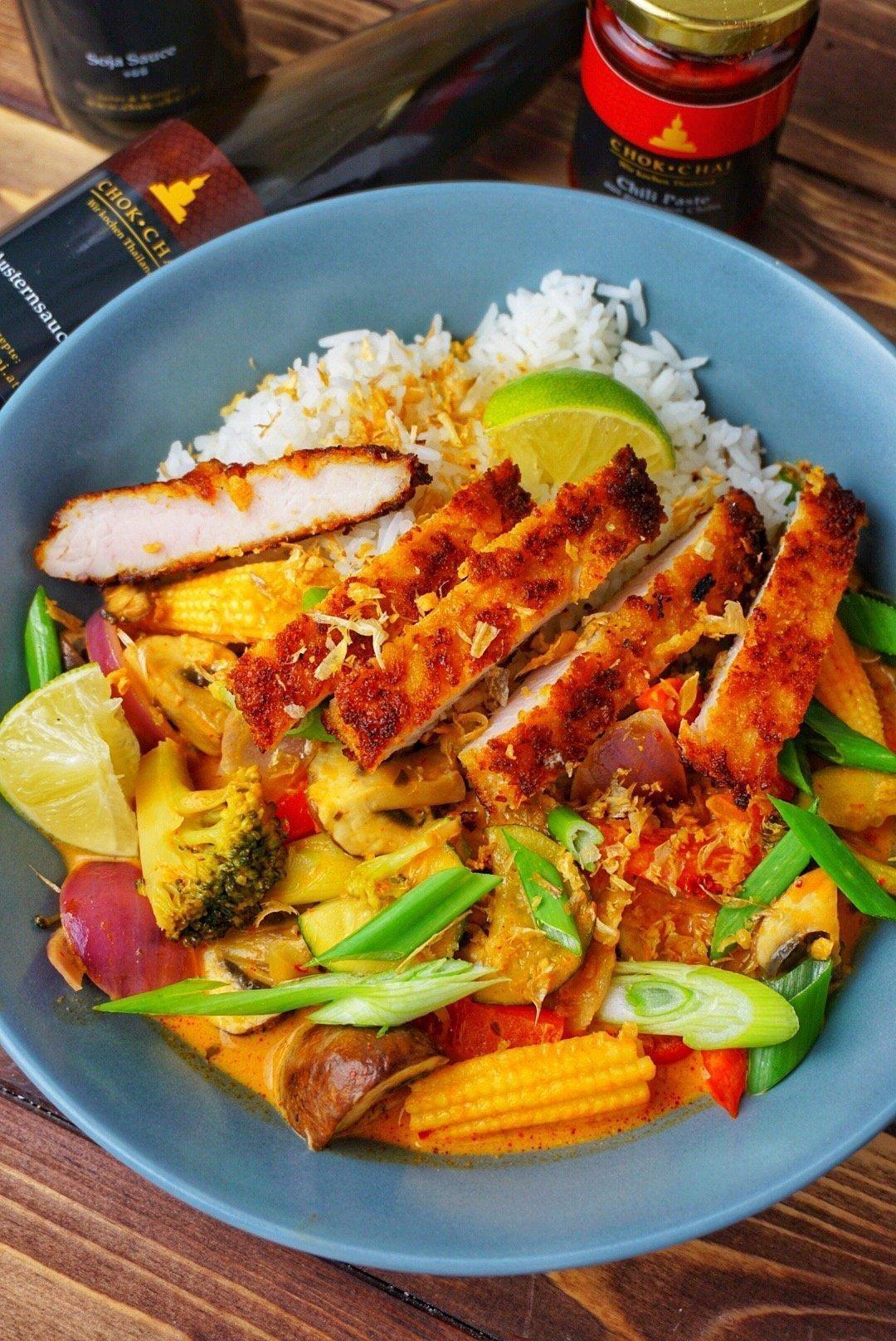 Red Thai Curry mit Cornflakes-Chicken