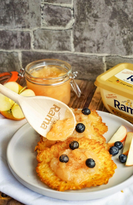 Kartoffel-Reibekuchen mit selbstgekochtem Apfelmus und dem neuen Rama Meisterstück