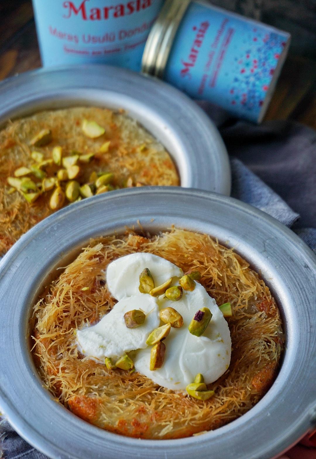 Künefe mit Pistazien und türkischer Ziegenmilch Eiscreme